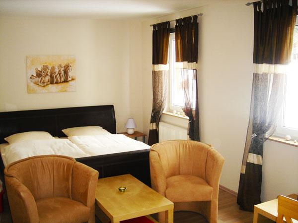 ferienwohnung studio t pferpark ihre ferienanlage im. Black Bedroom Furniture Sets. Home Design Ideas